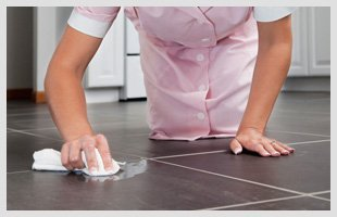 Cleaner scrubbing floor