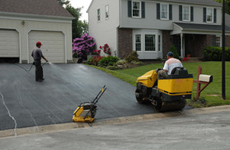Men doing the asphalt