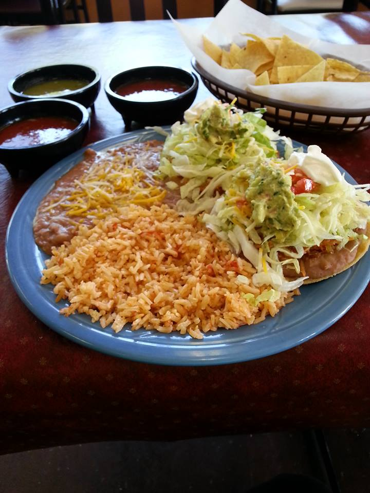 Mexican rice with nachos