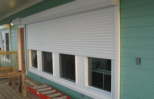 Storm protection | Lake Charles, LA | East Aluminum | 337-433-3118
