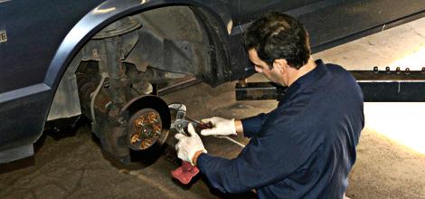 Brake Repairs | Anoka, MN | Andy's Service | 763-421-7286