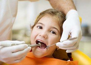 Kid on a dental clinic