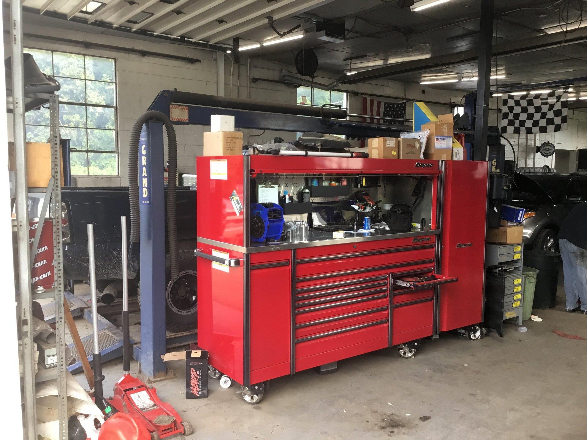 Auto garage machine