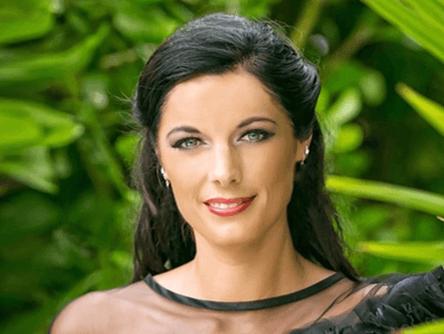 Lauren E. Ducharme