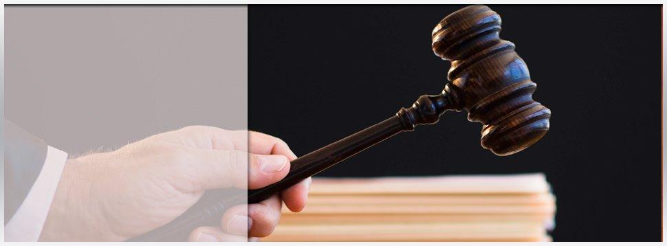 criminal trials | Cedarhurst, NY | Law Offices of Elliot J. Blumenthal, PLLC | 516-295-0903