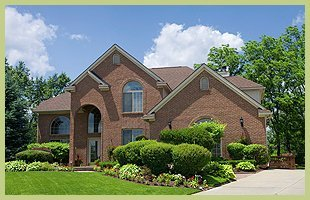 Tree Care  | Columbus, IN | Vertical Landscaping | 812-212-3326