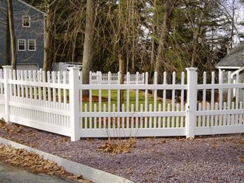 Devonshire Vinyl Fence