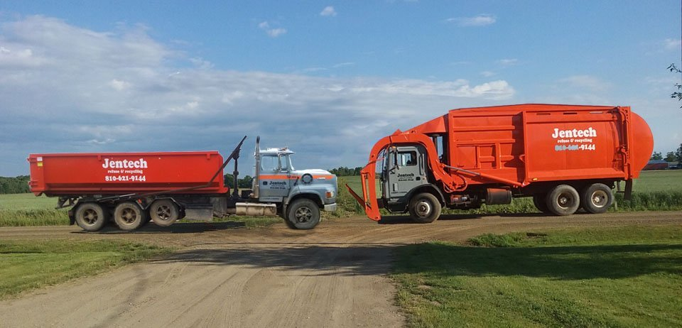 Scrap hauling truck