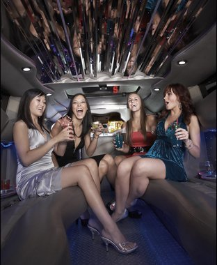 Holiday party limo   Plattsburgh, NY   Ground Force 1   518-563-4444