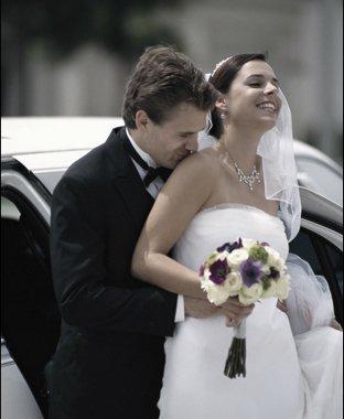 Wedding limo   Plattsburgh, NY   Ground Force 1   518-563-4444