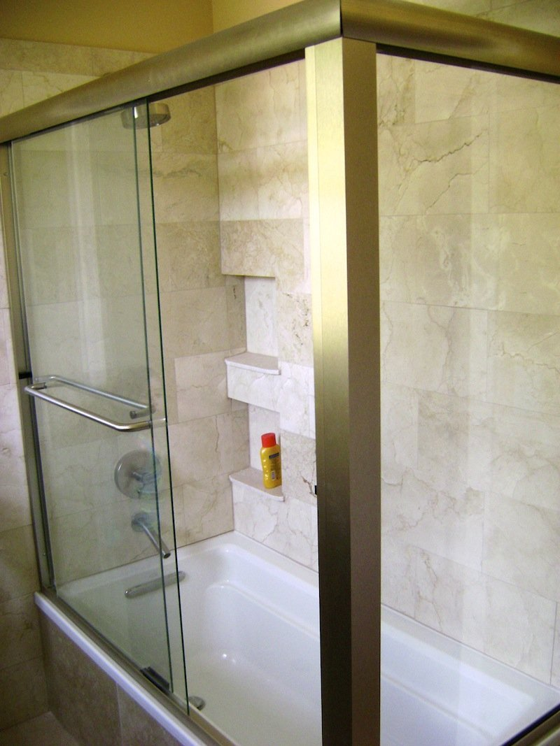 Bi-pass shower door