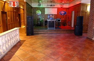 Dj mixer equipment with speakers