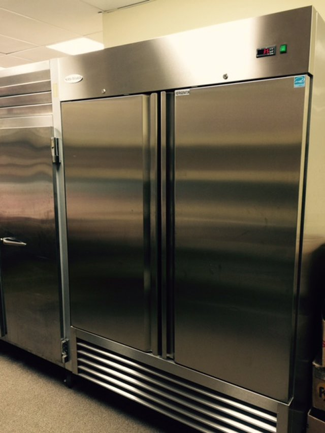 Restaurant refrigerator freezer