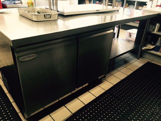 Under-counter refrigerator