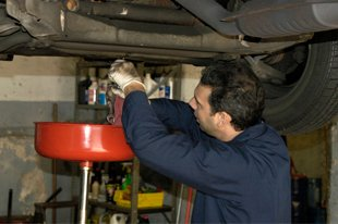 Auto Mechanic - Eastpointe, MI - Champs M&H Auto Repair
