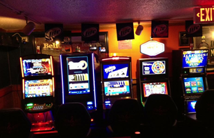 Pia's Sports Bar & Grill gaming area
