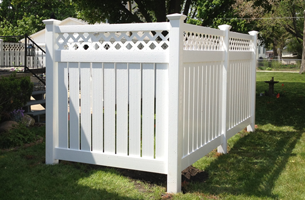 Residential Fencing | Mahomet, IL  | Main Street Fencing | 217-586-7504
