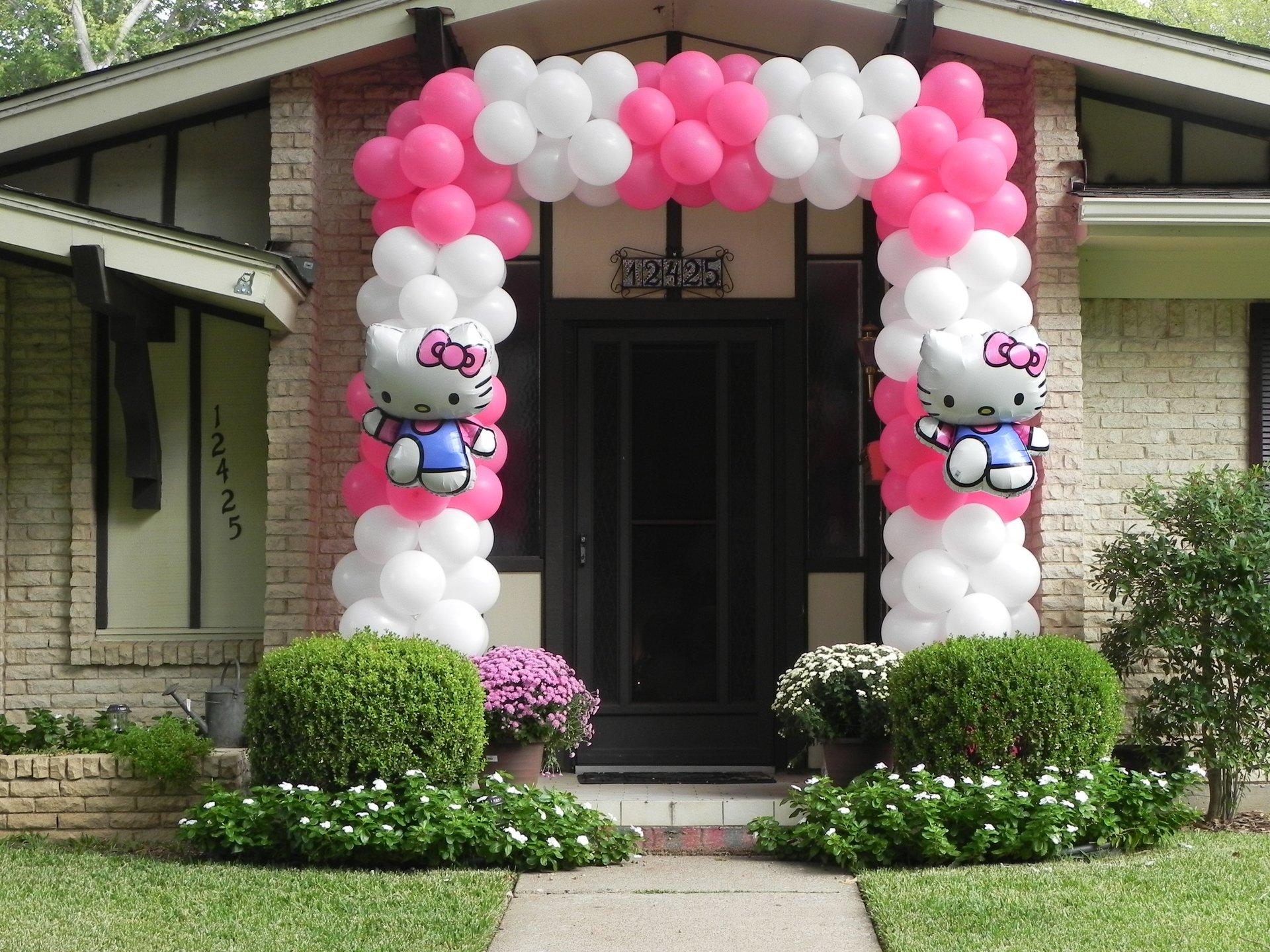 Hello Kitty Enterance to a princess party arch