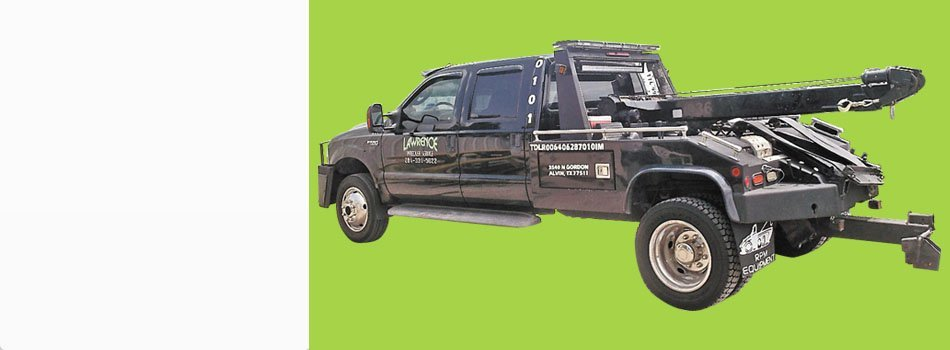 Towing  | Alvin, TX | Lawrence Wrecker Service | 281-968-8574