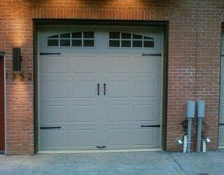 Residential with lites | Philadelphia, PA | AAA Philly Overhead Doors | 215-291-0519