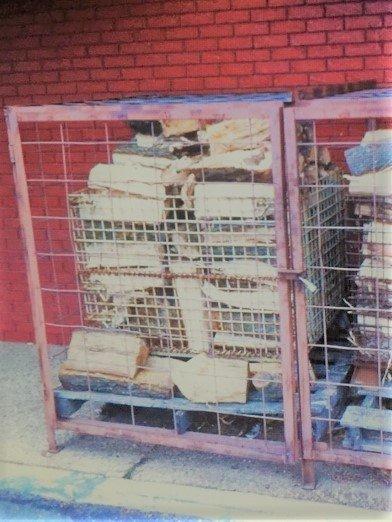 rib crib wood cage