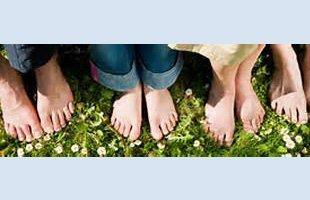Massaging foot heel