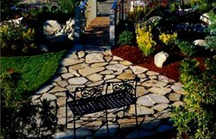 landscaping contractor | Schenectady, NY | T&P Lawn and Landscape | 518-631-5630
