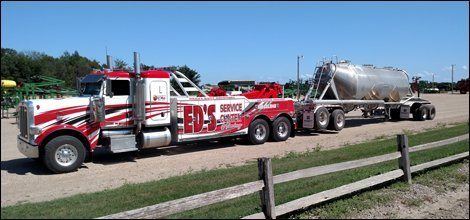 Semi Towing | Willmar, MN | Ed's Service Center & Towing | 320-235-5945