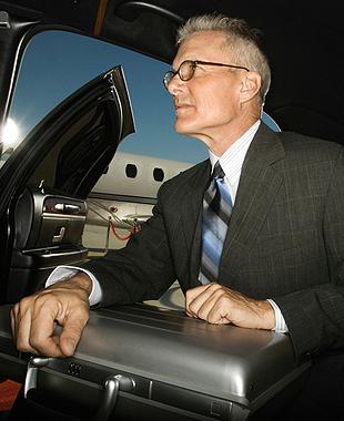 Airport service | Boston, MA | Good Times Limousine | 508-525-2888