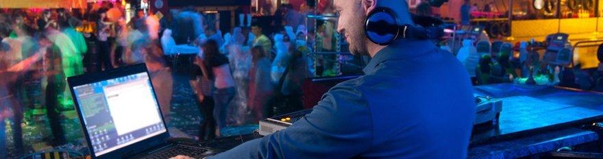 DJj mixing