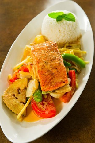 curry fish with salmon