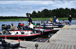 fishing resort   Lake of the Woods Ontario, Canada   Sandy's Blackhawk Island