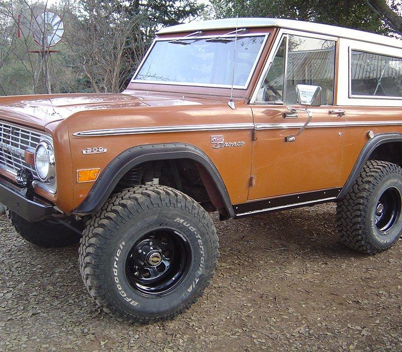 4x4 vehicle