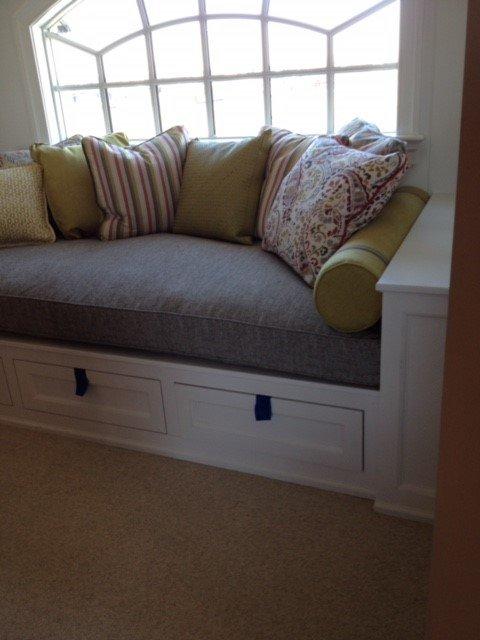 Grey Couch   Grey Sofa   Green Throw Pillows