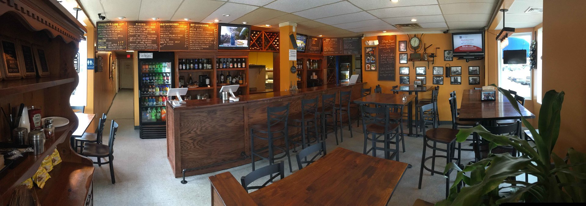 CeCe's Pizza and Catering interior