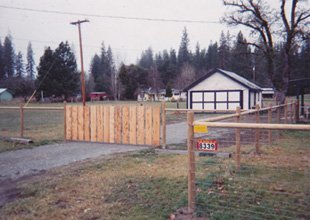 Wood Fences | Gold Hill, OR  | Rabitoy Fencing & Supply | 541-582-3124