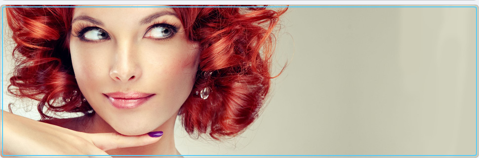 Redhead woman with a simple makeup