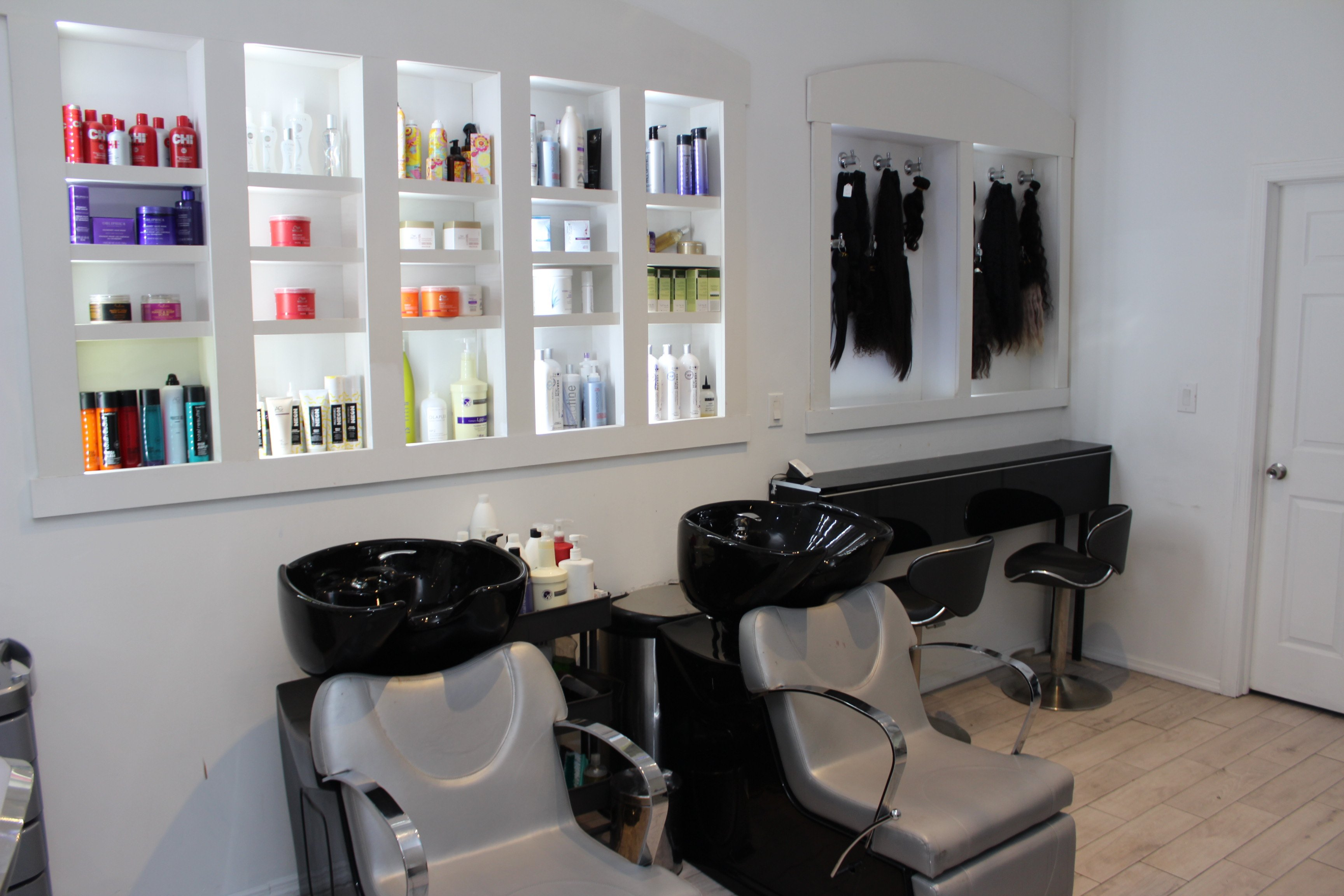 Zuly Beauty Studio Hair and Nails Salon