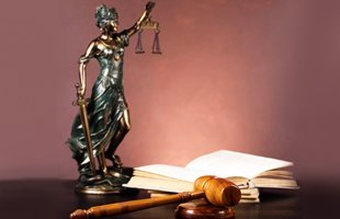 EEOC Discrimination | Elm Grove, WI | Hynes & Kuhn, S.C. | 262-505-5678