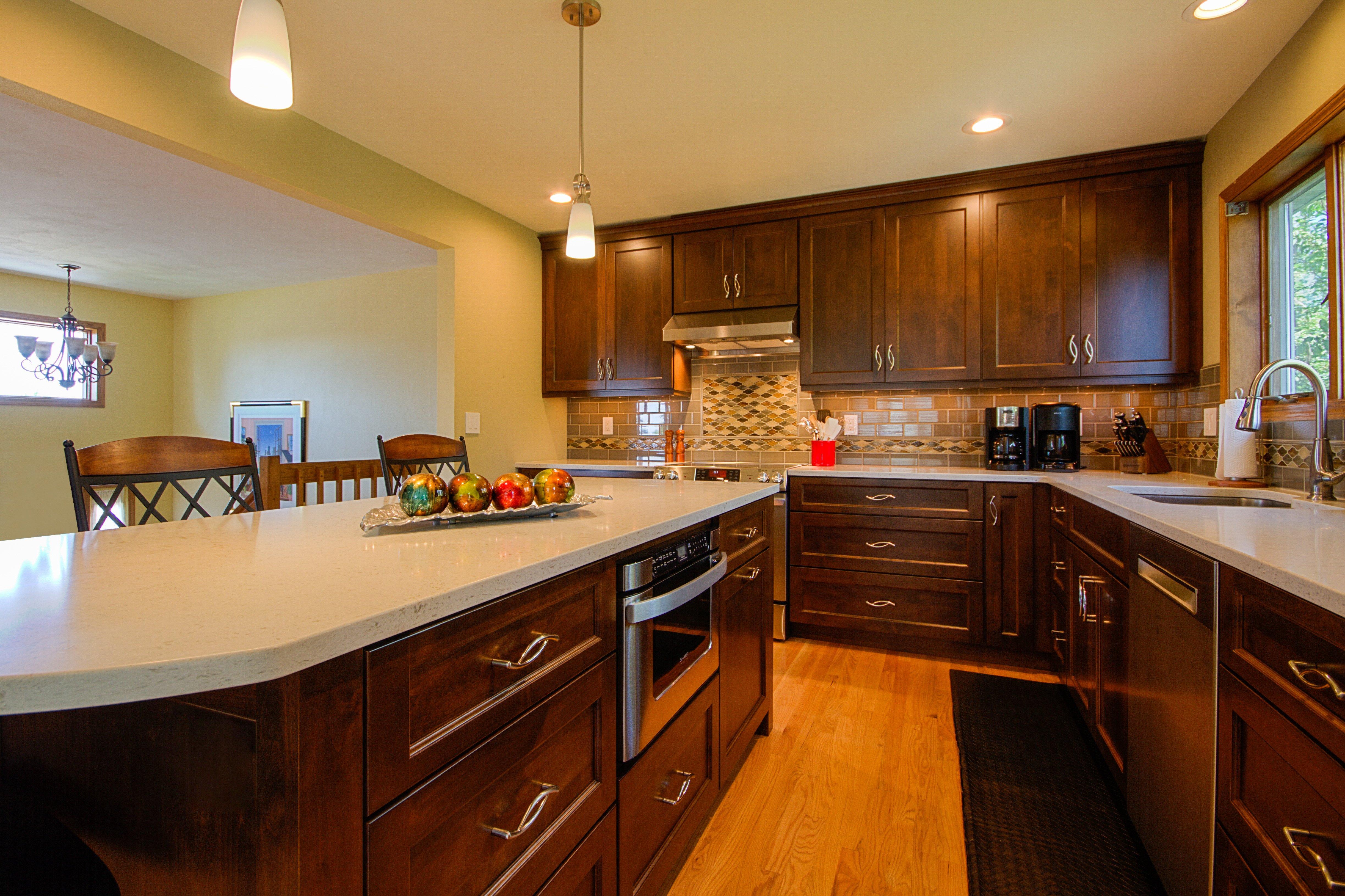 Kitchen Remodeling and Design, l-shape kitchen layout, dark brown kitchen cabinets