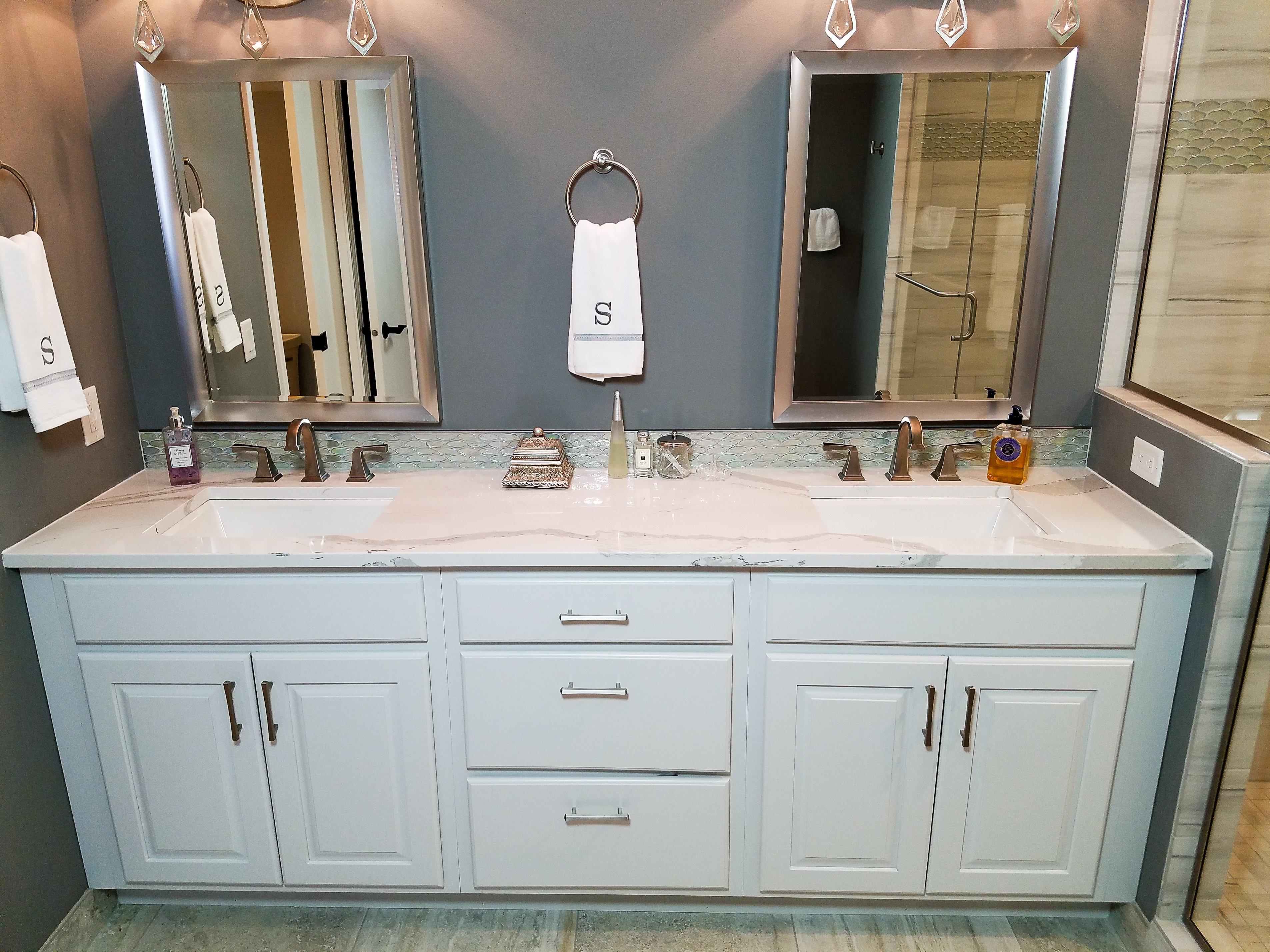 Bathroom Design, double sink vanity design, white vanity cabinets,