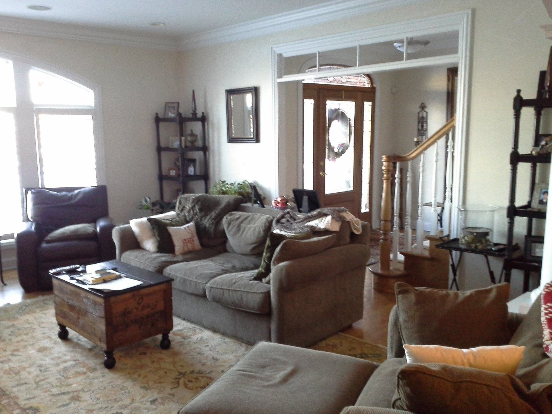 before photo of living room remodel,