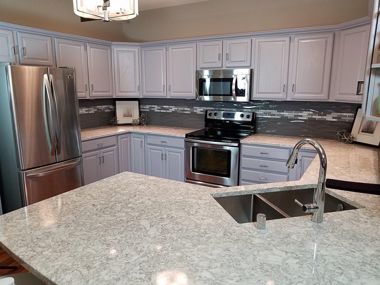 kitchen remodel ideas, cambria berwyn countertop, glazzio tile backsplash, chrome kitchen faucet