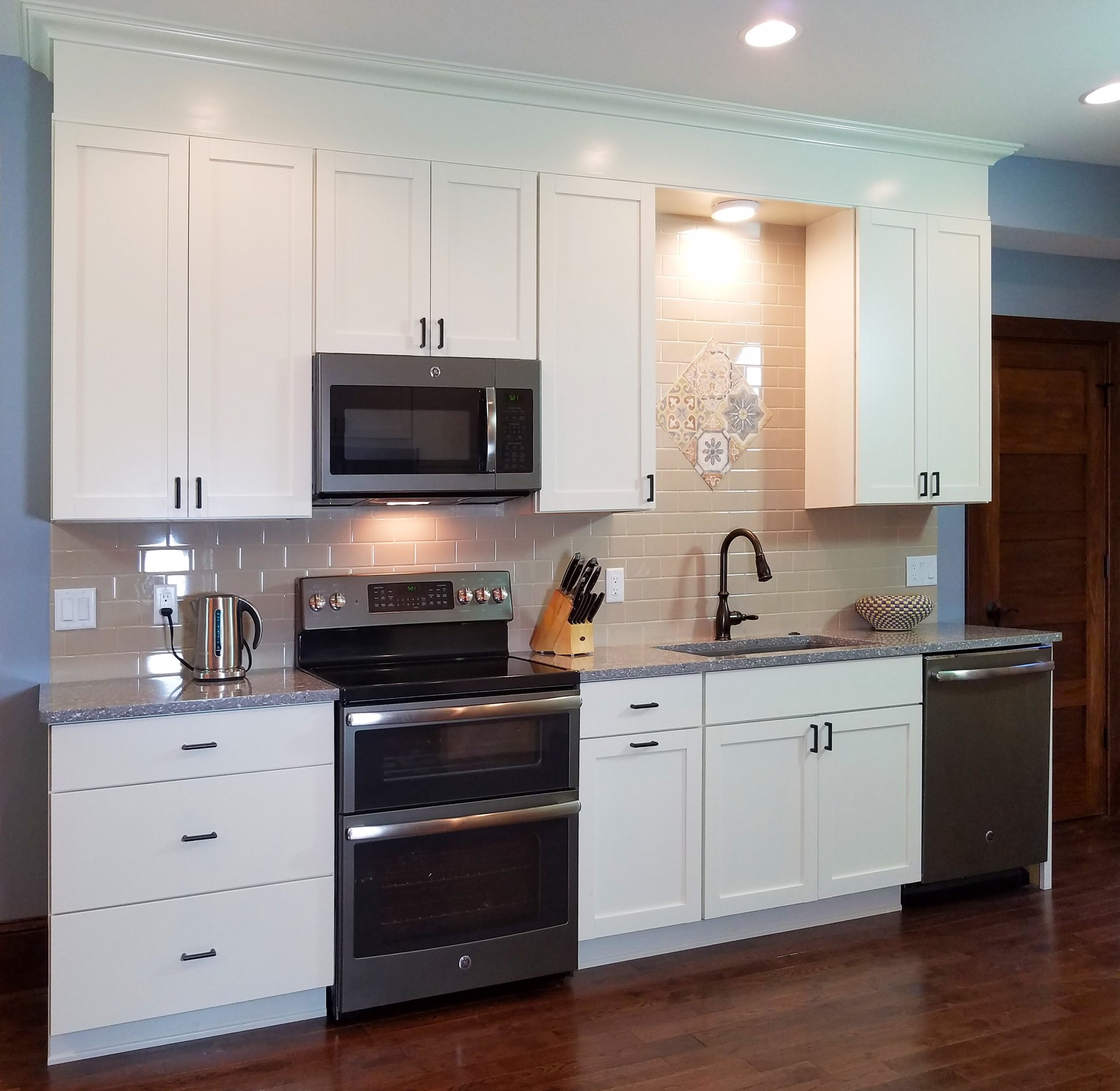 Graphite Hardwood Floor In White Cabinet Kitchen Luxury Home Design