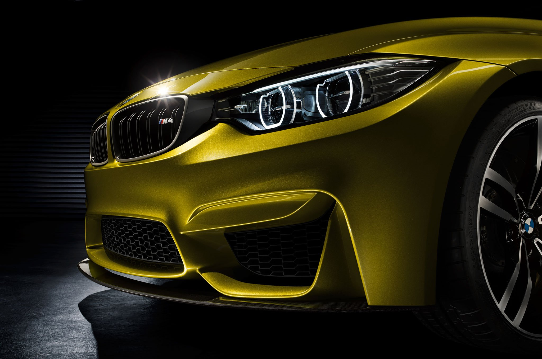 BMW-M4-concept-headlight