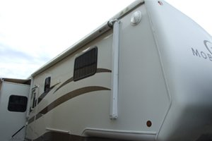 2004 Mobile Suite 36RE-3 by DRV
