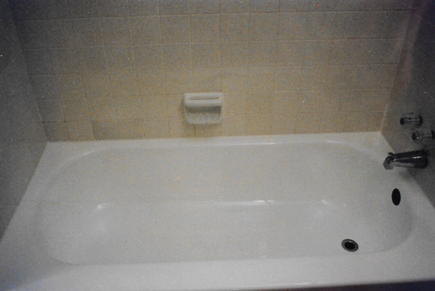 Bathtub Reglazing | Porcelain Tubs | Kalamazoo, MI