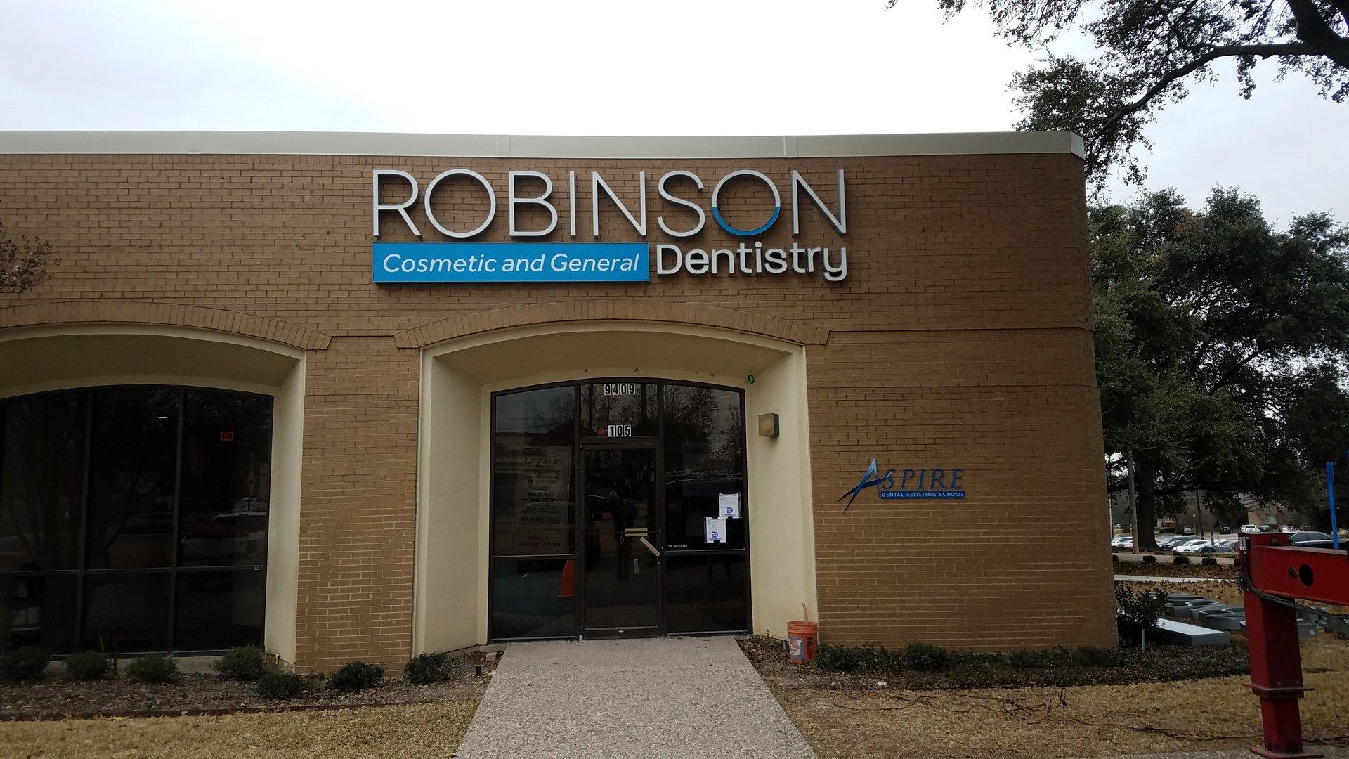 Robinson Dentistry Sign