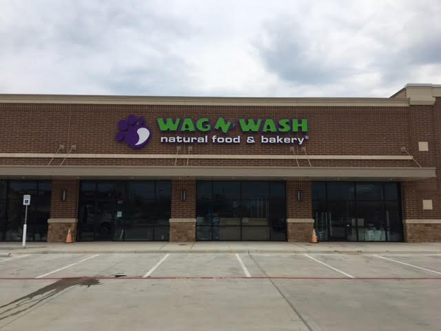 Wag and Wash Sign