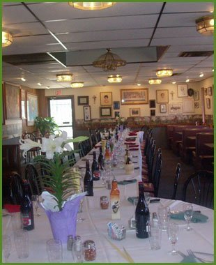 Tumea and Sons Dining room| Des Moines, IA | Tumea & Sons Restaurant | 515-282-7976